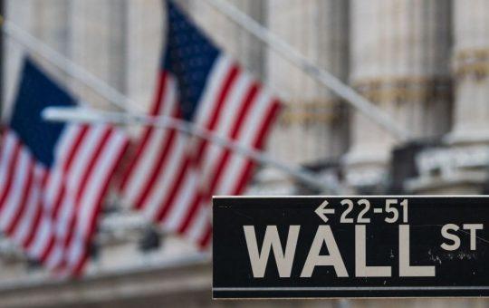 Global stocks on autopilot as bitcoin continues to climb